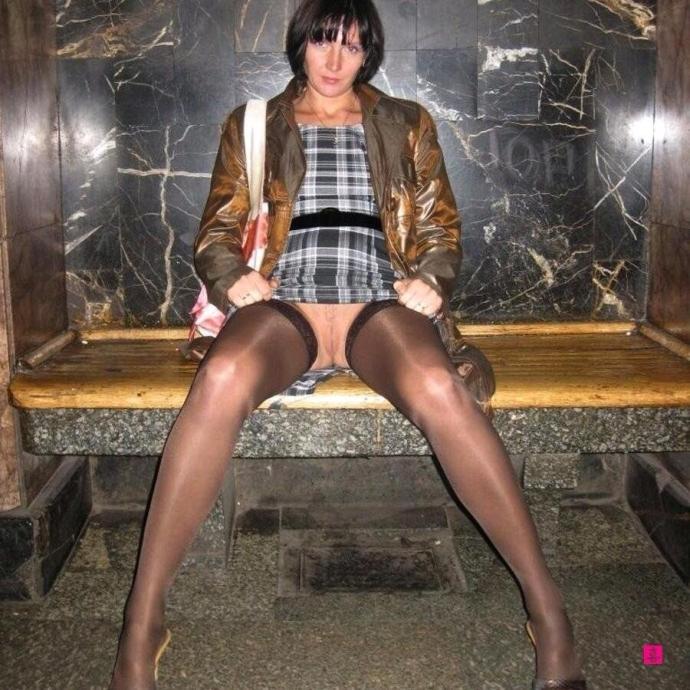 Holky V Sexy V A šaty (3)
