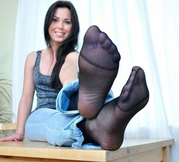 Postříkané Nohy V Silonkách (1)