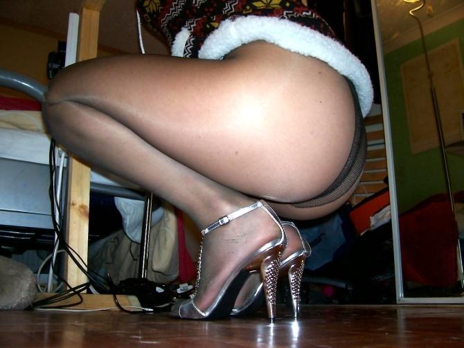 Nohy V černých Silonkách (1)