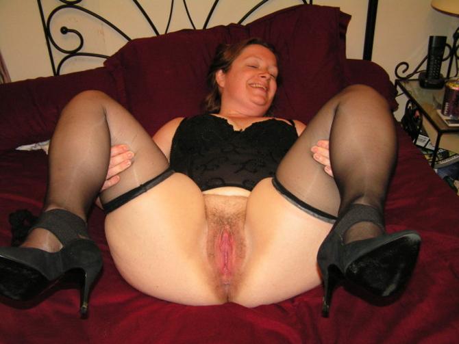 Holky V Sexy Sukni A Punčochách (1)