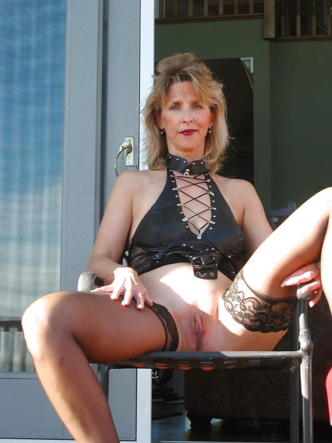 Zralé ženy V Silonkách A V Kalhotkách Fotky A Sexy Fotky (4)