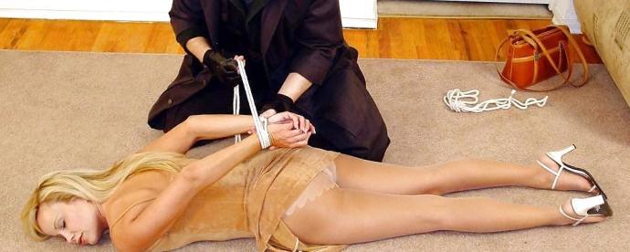 Nejlepší Bondage Sexy Holky V Silonkách (1)