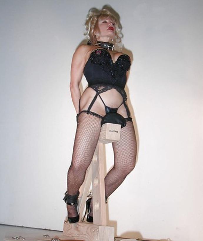 Sexy Bondage V Punčochách Fotky A Sexy Fotky (2)
