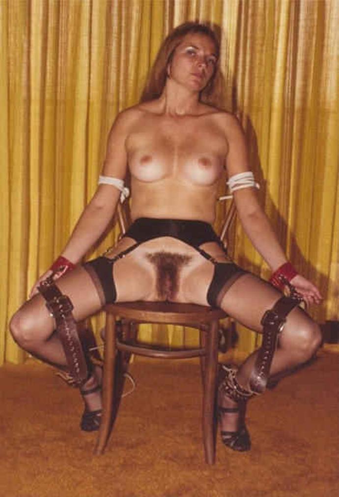 Bondage V Punčochách Sexy Holky (2)