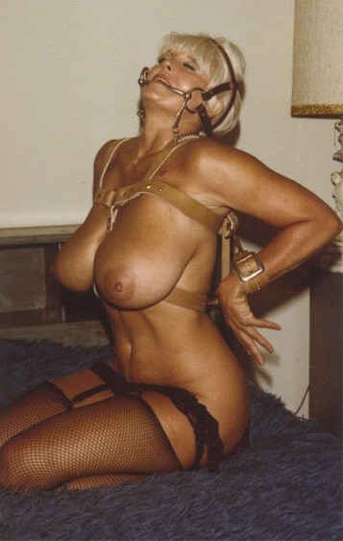 Bondage V Punčochách Sexy Holky (3)