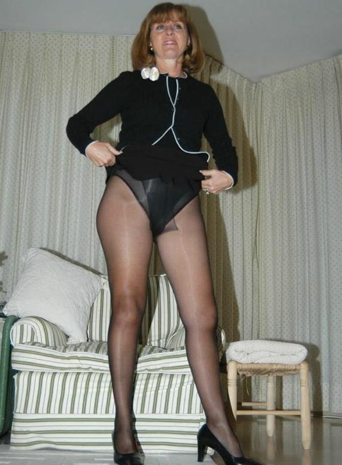 Sexy Fotky Pod Sukně A Minisukně (2)