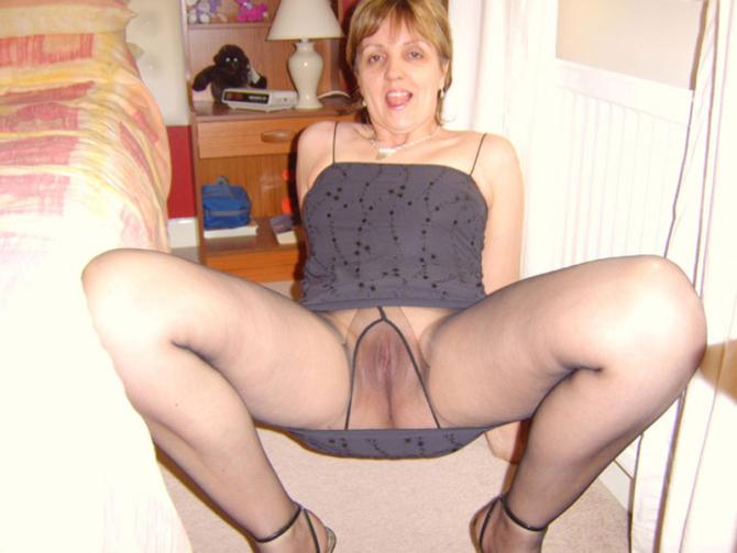 Mladé Sexy Amatérky V Silonkách Porno (4)