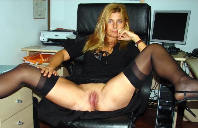 Sexy Amatérky V Silonkách, Domácí Fotky (1)