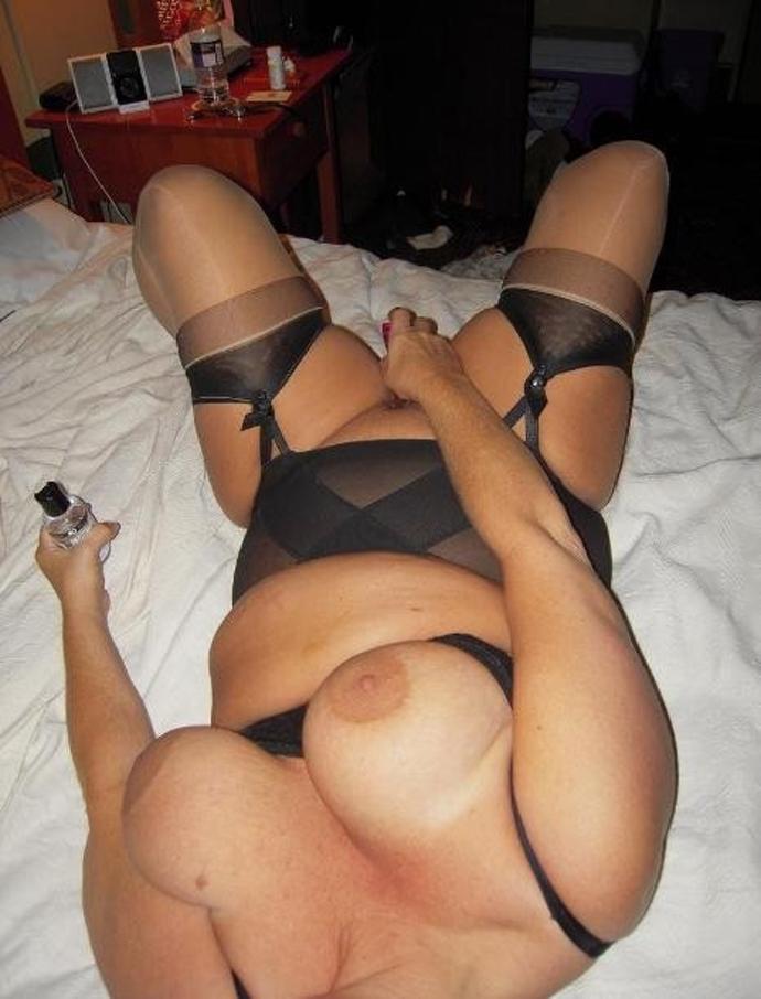 Krásné Sexy Amatérky A Sexy Silonky Fotky (4)