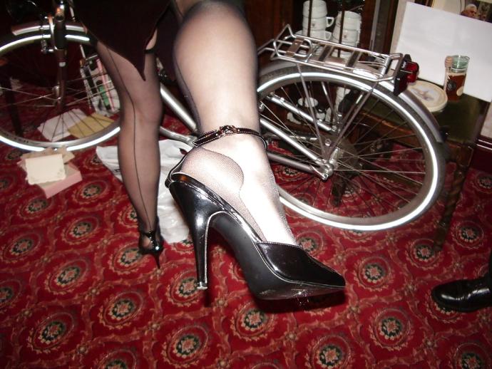 Nádherné Nohy V Silonkách (2)