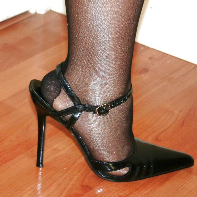 Nádherné Nohy V Silonkách (3)