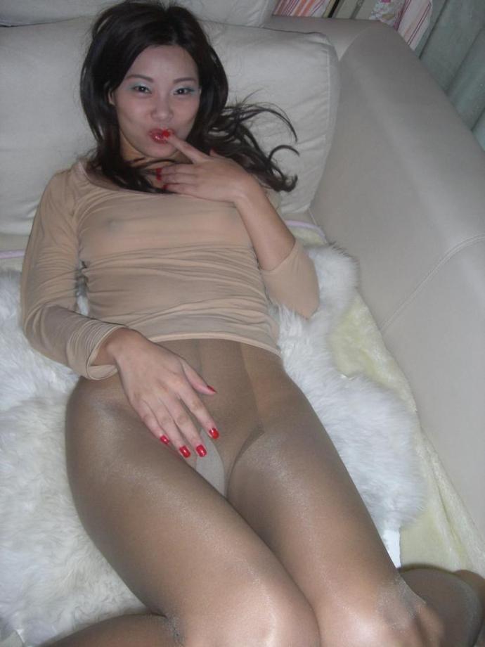 Asiatka S Nadrženým Zadkem V Silonkách (6)