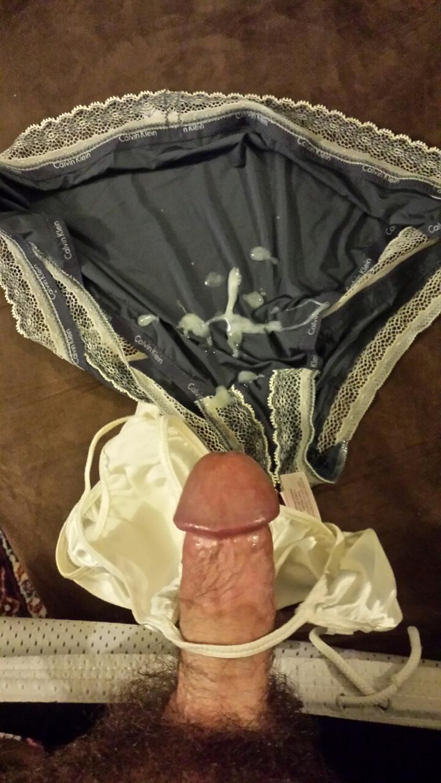 Stříkání sperma do kalhotek mé bývalé přítelkyně